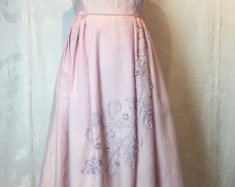 109. VINTAGE- Pink Floral Gown