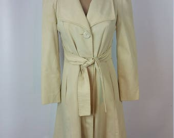 60s Vintage Tan Trench Coat. Overcoat. Jacket. Belted. Buttons. Size Small.