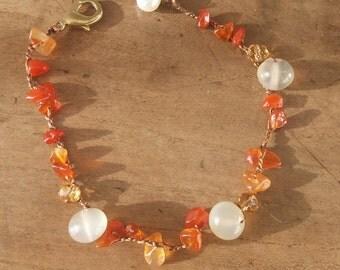 Women's bracelet with carnelian