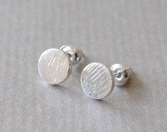 Silver plated ear studs round earrings for point