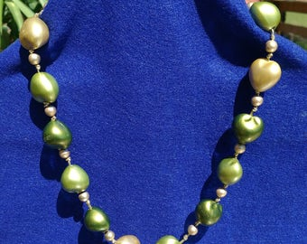 Beaded Green and Gold Necklace