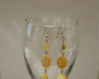 Oval yellow mother of pearl earrings