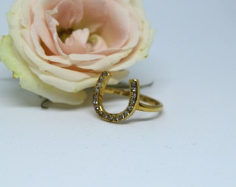 Vintage True Romance Horseshoe Diamond 14k Yellow Gold Ring