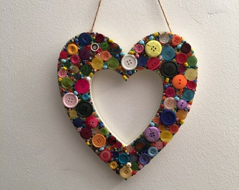 Hanging wall button heart.