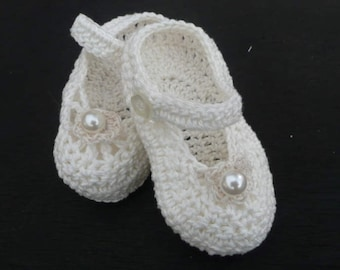 Christening,Shoes.Crocheted Baby shoes,Crocheted Mary Janes, Made To Order White Or Cream.