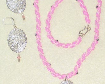 Two Tone Pink Seed Bead Necklace w/Silver Pendant