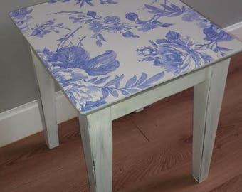 Shabby Chic, Cottage, French style small table/stool!
