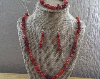 19: Necklace, Bracelet, Earrings Set