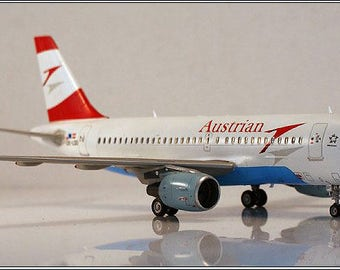 Airbus A319 1/144 stand model AIrliner Gift Souvenir