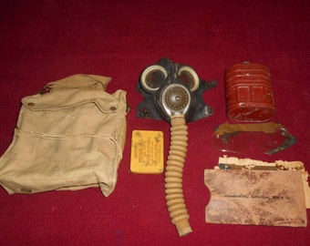 British WWII Complete Gas Mask
