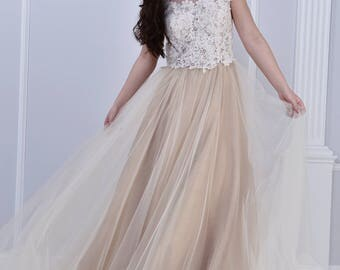 Blush wedding dress, with tulle skirt and lace top