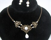 Pearls on Brass Chain Necklace with Earrings