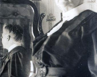 Vintage photo 1917 Grandma Reflection front and back in Mirror