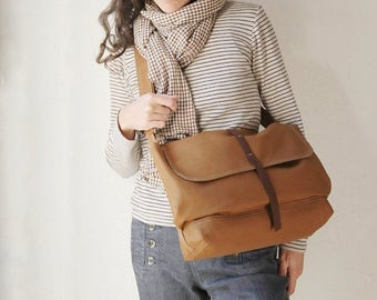 Canvas and Leather Messenger Bag in Cinnamon Brown