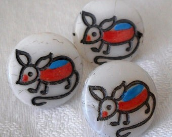 Set of 3 VINTAGE Small Painted Mouse White Glass Childrens BUTTONS