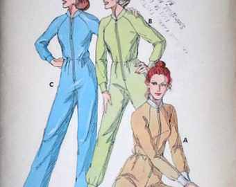 Vintage 70's 868 Kwik Sew Sewing Pattern, Misses' Footed or Without Feet Sleeper Pajamas, Size XS-S-M-L, Uncut FF, 1970's Sleepwear