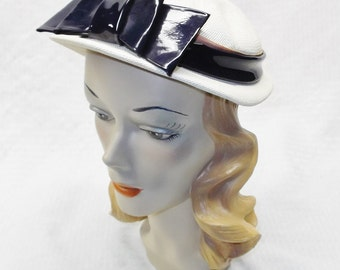 1950s Vintage White Straw Hat with Blue Patent Leather Bow