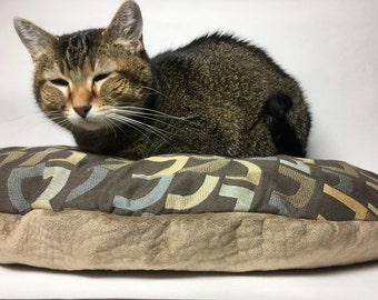 Pet Pillow, Green, Recycled Wool Pet Bed, Cat Mat, Small Dog Bed, Modern, Machine Washable, Eco Friendly, All Purr Puss Cat Bed
