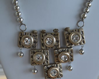 Pretty Vintage Rhinestone, Silver tone, Gold tone Abstract Modern Necklace, 18""