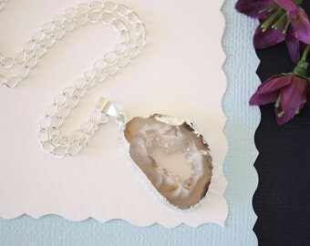 Geode Necklace Silver, Crystal Necklace, Geode Agate Slice, Boho Jewelry, Druzy Pendant, Vegan, Silk Jewelry, Natural Geode, GS57