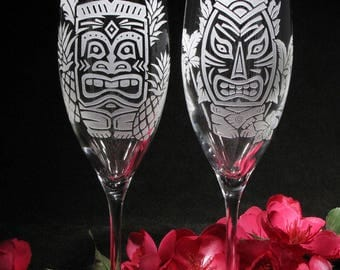 NEW  2 Champagne Flutes, Hawaii Tiki Theme, Tropical Destination Wedding, Present for Bride and Groom