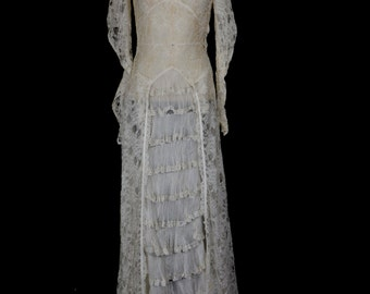 Original vintage 1930s lace wedding gown - x Small 8 - FREE SHIPPING WORLDWIDE