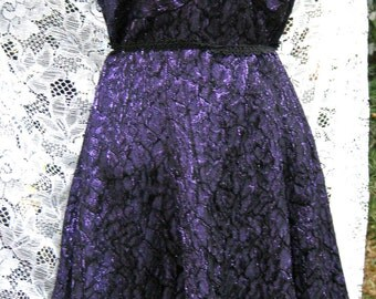 size 7 / 8 Like NWT, PURPLE METALLIC dress,  Like New With Tags 1980s 80s Marilyn Monroe style, dark plum purple dress lnwt