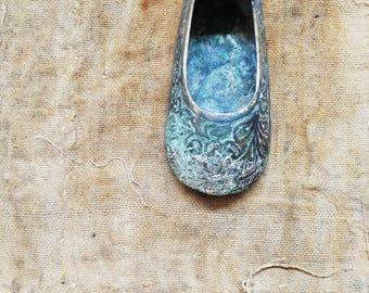 Vintage Brass Shoe.  Hippie. Bohemian.  Indian. Boho. Brass Slipper. Made in India. Ashtray / Hookah Lounge Style. Slipper Ornate Engraved.
