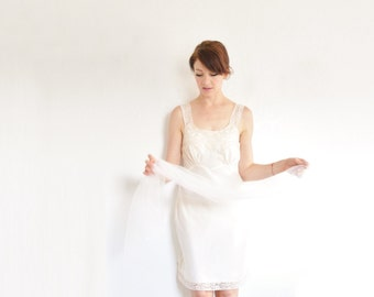 pale peach silky lace slip dress . buttery soft cream boudoir lingerie .medium .sale s a l e