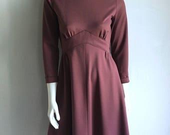 Vintage Women's 70's Mod Dress, Mauve, Mini, Long Sleeve, Knee Length (S)