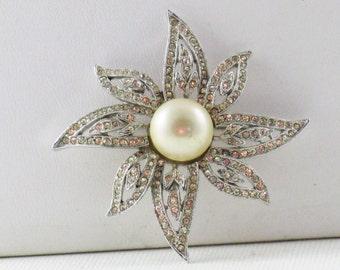 Vintage Clear Crystal Rhinestone and Faux Pearl Brooch Pin (B-3-6)