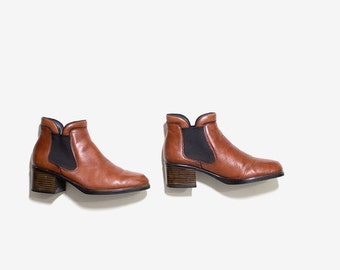 FLASH SALE Vintage Chelsea Boots 5.5 / Leather Ankle Boots / Whiskey Leather Boots / Ankle Boots Women