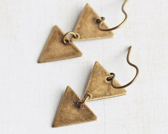 Antiqued Brass Triangle Earrings, Simple Dangle Earrings, Brass Earrings, Two Triangle Drop Earrings, Everyday Earrings, Geometric Jewelry