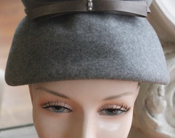 Vintage 1960s Gray High Crowned Toque Hat