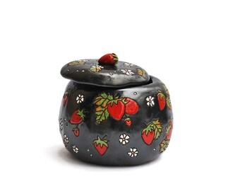 Ceramic jewelry box with strawberries