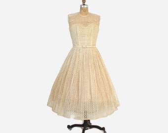 Vintage 50s Ivory DRESS / 1950s Ivory Sheer Ribbon Embroidered Full Skirt Bridal Wedding Gown M