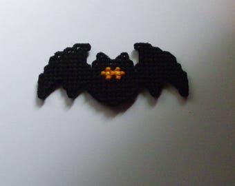 Plastic Canvas Bat Magnet   1177