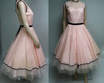 Reserved~~~~~~~~Vintage 1950s Dress//50s Dress//Designer//Laurie Jane//Ribbon Weave//Full Skirt Dress//Rockabilly//Mod
