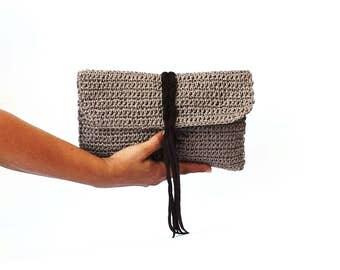 Brown raffia clutch, summer purse, woven bag, straw clutch bag, beach purse, paper raffia clutch with suede braid, brown summer bag, crochet