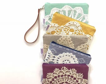 Women's Linen Wristlet Wallet ~ Your Choice of Fabrics