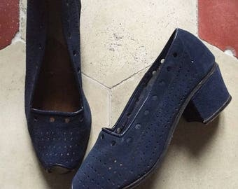 vintage 1940s blue suede shoes These are stamped 5 on the sole. (35 IT)