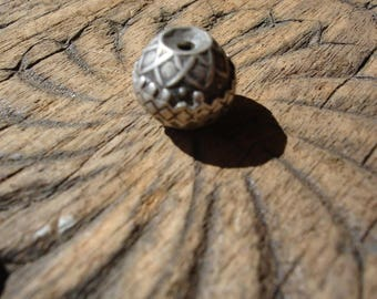 Silver (tested)  Moroccan small  tarnished round ornate hand made bead with star