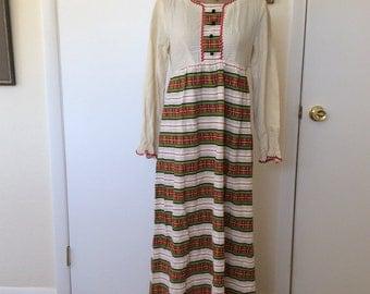 1970s Prairie Maxi Dress- size M/L