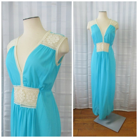 Vintage 1960s 1970s Long Nightgown Turquoise Blue Ivory Off White Crochet Floral Lace Gown Nylon Medium Loungewear Maxi Dress 34 35