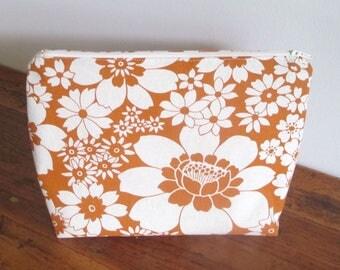 Zipper Pouch, Fabric Bag Organiser, Handmade Makeup Bag, Zipper Bag, Clutch Zipper Bag, Makeup Pouch, Orange Flowers Travel Pouch
