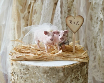 pig hunting wedding cake topper and lioness wedding cake topper family wedding cake 18507