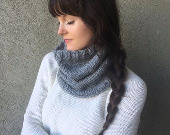 Grey Knit Infinity Scarf Cowl / Gray Knit Circle Scarf Neckwarmer / Alpaca Yarn