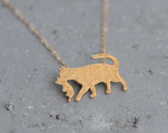 Cat Holding her Kitten Pendant , Cat Necklace, Kitty Cat Silhouette, Gift for Mom , Cat Pendant , Cat Jewelry , Kitten Necklace , Cat Mother