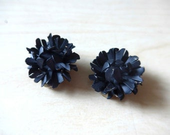 Beautiful French Vintage NOS 1940's Painted Metal Black Flowers Clip Earrings
