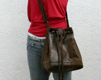 Vegan Bucket bag, crossbody bag, FAUX LEATHER, faux suede in chocolate brown,lightweight.Adjustable strap.Minimalist.On sale! One of a kind